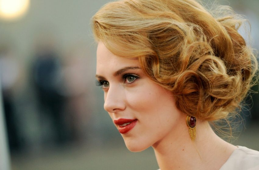 Actress scarlett johansson  Latest photo shoot!!!