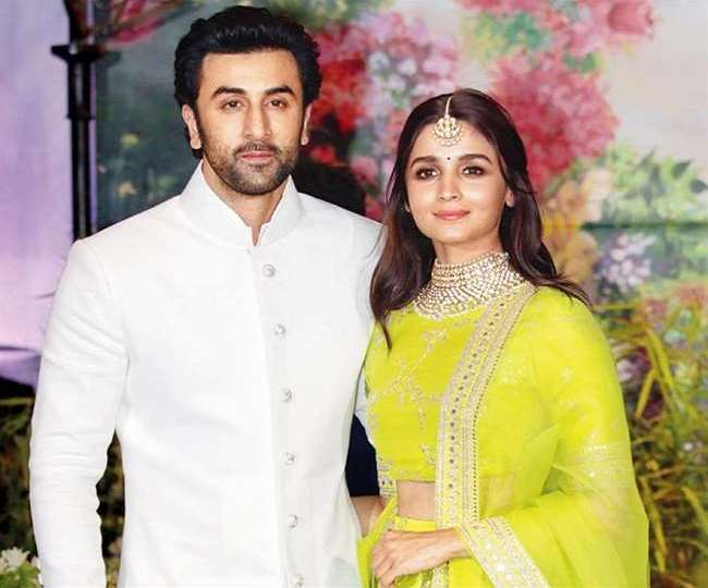 #Ranbir Kapoor-Alia Bhatt: Both revealed some hints that they would get married this year!!
