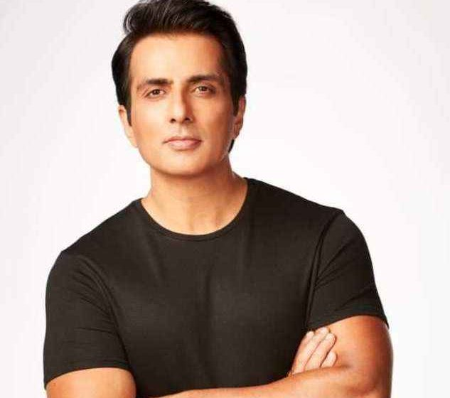 #Bollywood Actor Sonu Sood opened up about the IT Raids!!!