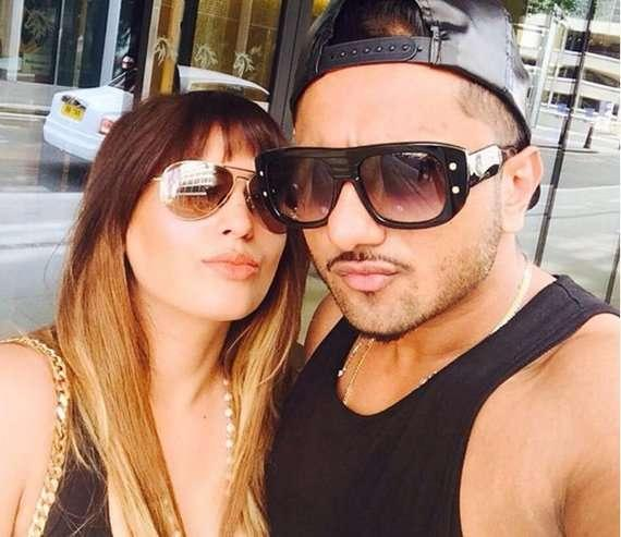 #Bollywood: Domestic violence case filed against 'Honey Singh' by his wife Shalini Talwar!!