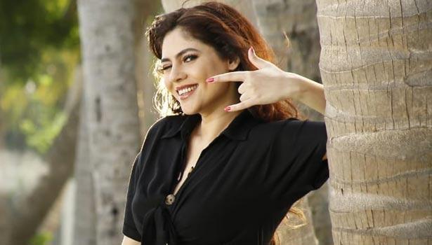 மீண்டும் ஹீரோயினியாக களமிறங்கும் பிரபல பிக் பாஸ் நடிகை !