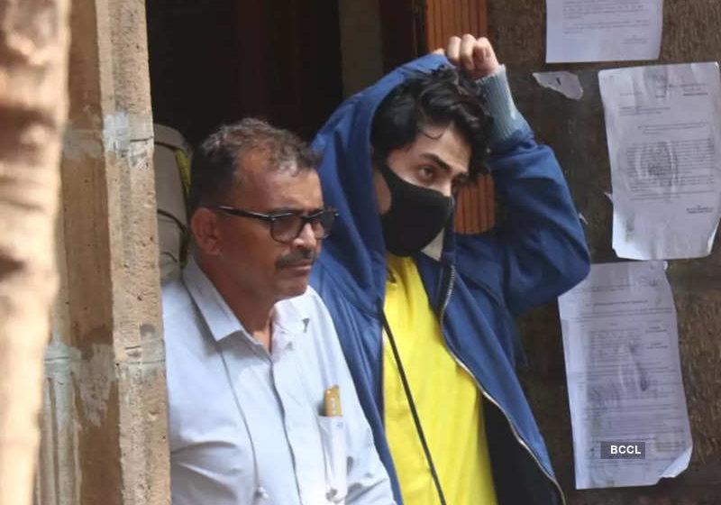#Aryan Khan's Bail: Bollywood Superstar Shah Rukh Khan's son Aryan Khan Caught in Drug Case!!