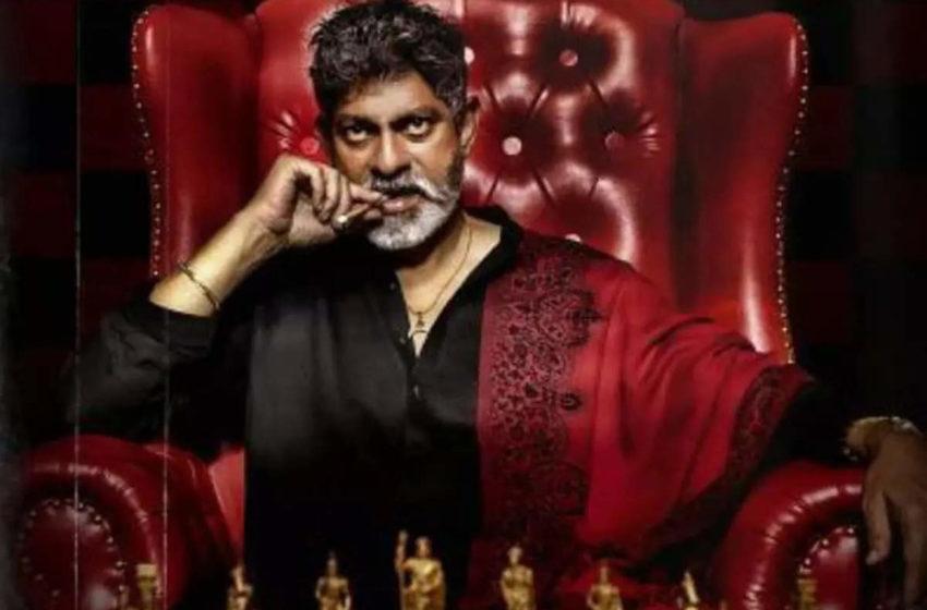 #Tollywood Actor Jagapathi Babu to make His Bollywood Debut Soon!!